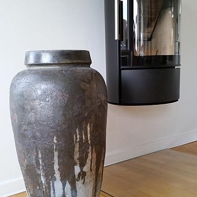 Træbrændt stentøjskrukke Ø49 x H86 cm