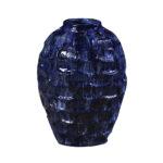 Poppy 55 med blå hvid løbeglasur og tekstur overflade.